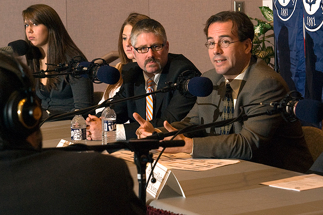 Sam Best, right, associate professor political science, speaking at an election forum at UConn in 2008. (Frank Dahlmeyer/UConn Photo)<br>