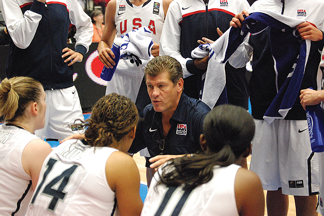 Geno Auriemma coaching the USA Team.