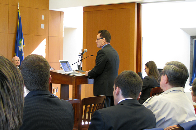 Ron Murphy '83 JD argues for the plaintiff during an 'On Circuit' session of the Connecticut Supreme Court, April 18, in the School of Law's William R. Davis Courtroom. (Bianca Slota/UConn Photo)