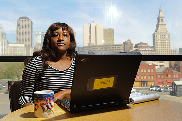 Chituwa Kawimbe '12 (CLAS) at the Legal Assistance Resource Center of Connecticut in Hartford, where she works as an intern as part of the Urban Semester program. (Peter Morenus/UConn Photo)