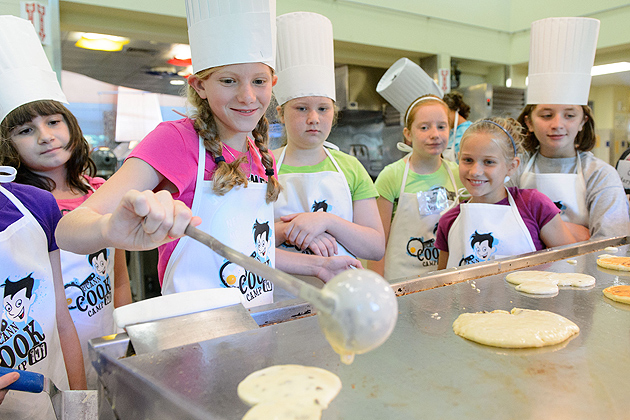 Pancakes are always a popular breakfast item. (Peter Morenus/UConn Photo)