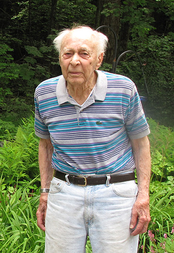 Emeritus professor Julian Rotter at his home in Mansfield. (Sheila Foran/UConn Photo)