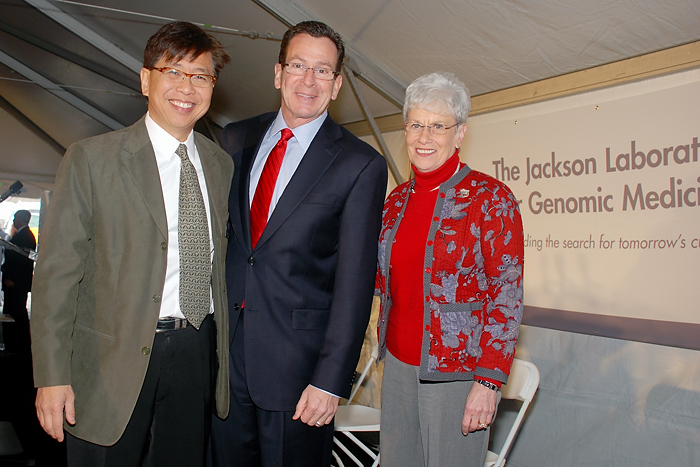 (from left) Dr. Edison Liu, president and CEO of The Jackson Laboratory, Gov. Dannel P. Malloy, and Lt. Gov. Nancy Wyman during the groundbreaking ceremony Jan. 17, 2013.