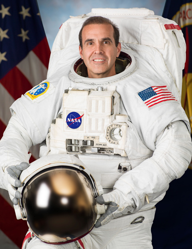 Photo Date: June 18, 2013 Location: Building 8, Room 183 - Photo Studio Subject: Individual Astronaut Photo for Rick Mastracchio Photographer: Robert Markowitz