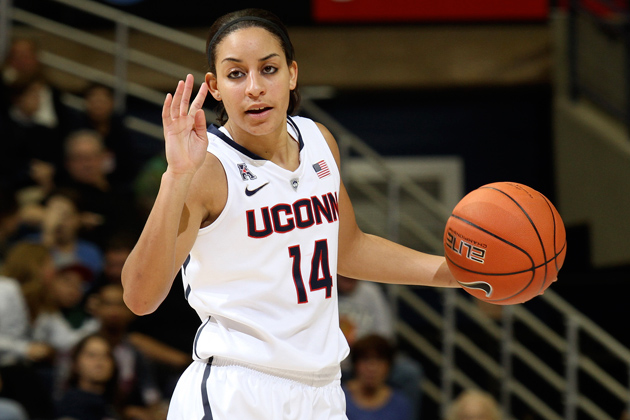 Bria Hartley '14 (CLAS) in the UConn v Gannon women's basketball exhibition game. (Bob Stowell'70 (CLAS) for UConn)