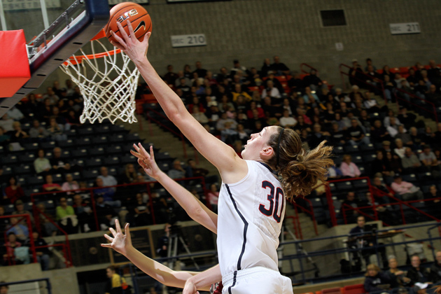 Breanna Stewart '16 (CLAS) in the UConn v Gannon women's basketball exhibition game. (Bob Stowell'70 (CLAS) for UConn)