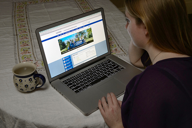 A prospective student views the UConn Admissions webpage on Jan. 14, 2014. (Peter Morenus/UConn Photo)