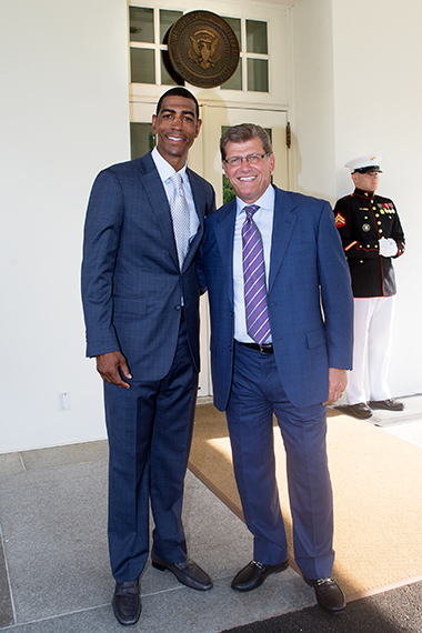 UConn basketball head coaches Kevin Ollie, left, and Geno Auriemma at the White House. (Stephen Slade '89 (SFA) for UConn)