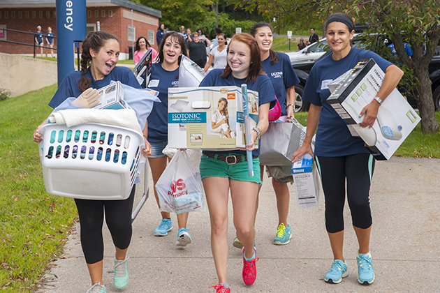 UConn Students Move into Storrs, Stamford Residence Halls This Weekend