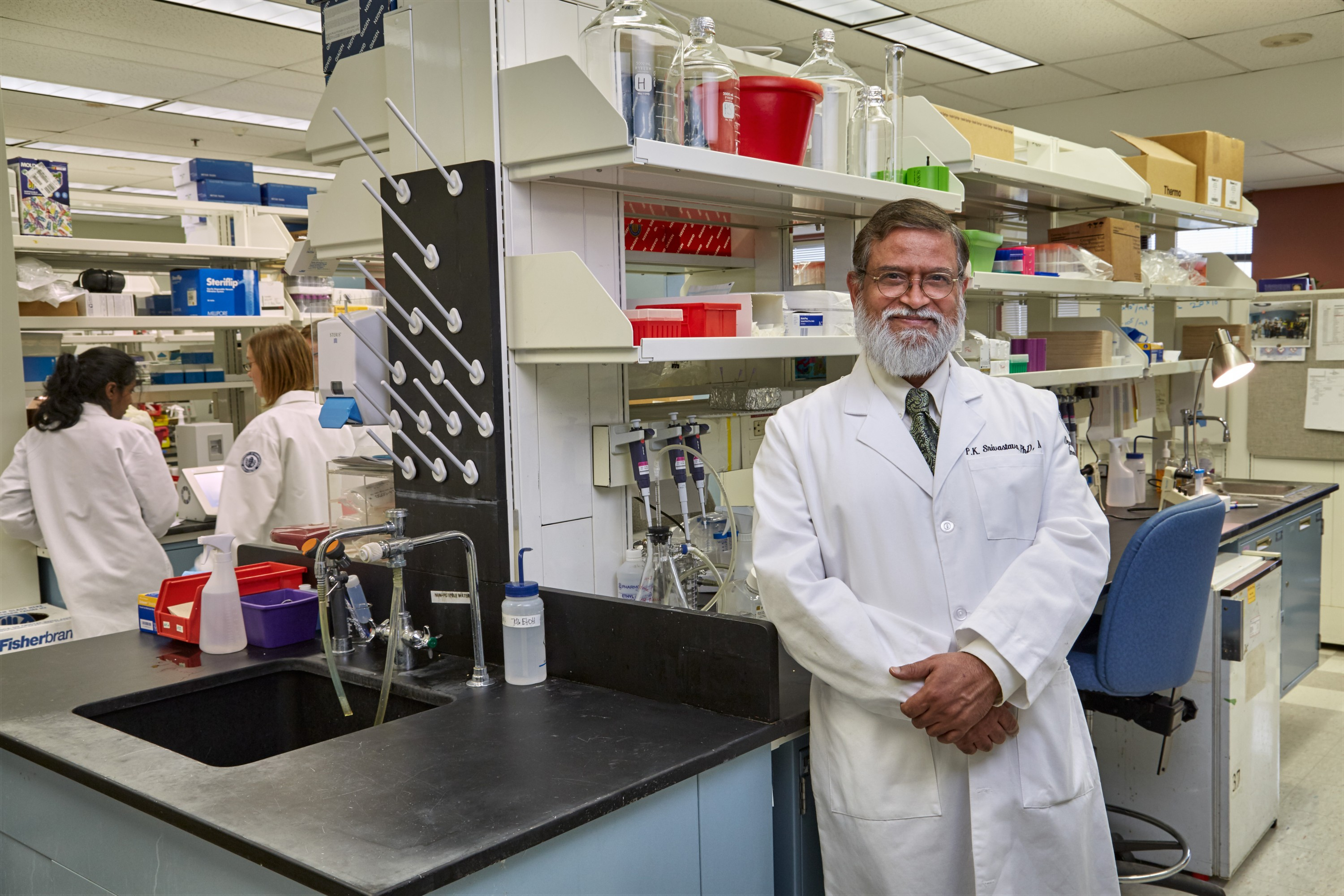 uconn honors heroes in fight against cancer uconn today dr pramod srivastava ovarian cancer researcher at uconn health on oct 1