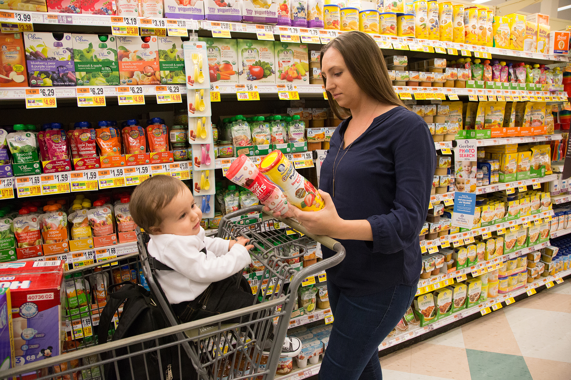 Baby Food Ads Often Contradict Health Experts