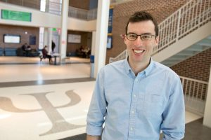 Assistant professor of psychological sciences Ian Stevenson. (Bri Diaz/UConn Photo)